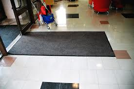 грязезащитные коврики и ковры